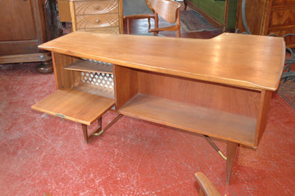 Peter HVIDT desk and armchairs