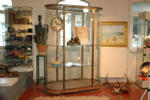 Big 1930 oval display cabinet