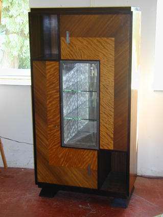 MAJORELLE display cabinet