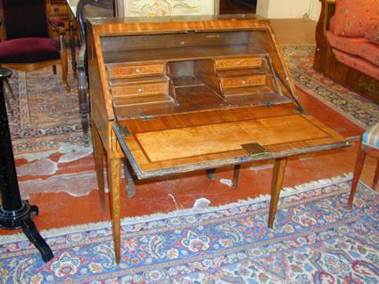 Les objets d'écriture Louis-xvi-style-desk-1237