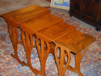 GALLE nest of tables