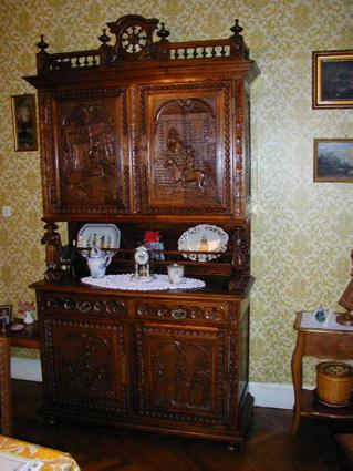 Late 19th century Breton-style dining suite