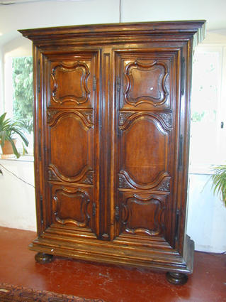 louis xiv armoire. Black Bedroom Furniture Sets. Home Design Ideas